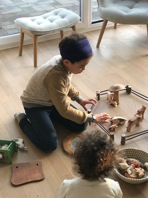 Spielzeug bauen,Holzzaun Kinder Bauernhof DIY, Holzzaun Anleitung,  #Anleitung #bauenHolzzaun #Bauernhof #Diy #Holzzaun #Kinder #Spielzeug #Spielzeugbauen