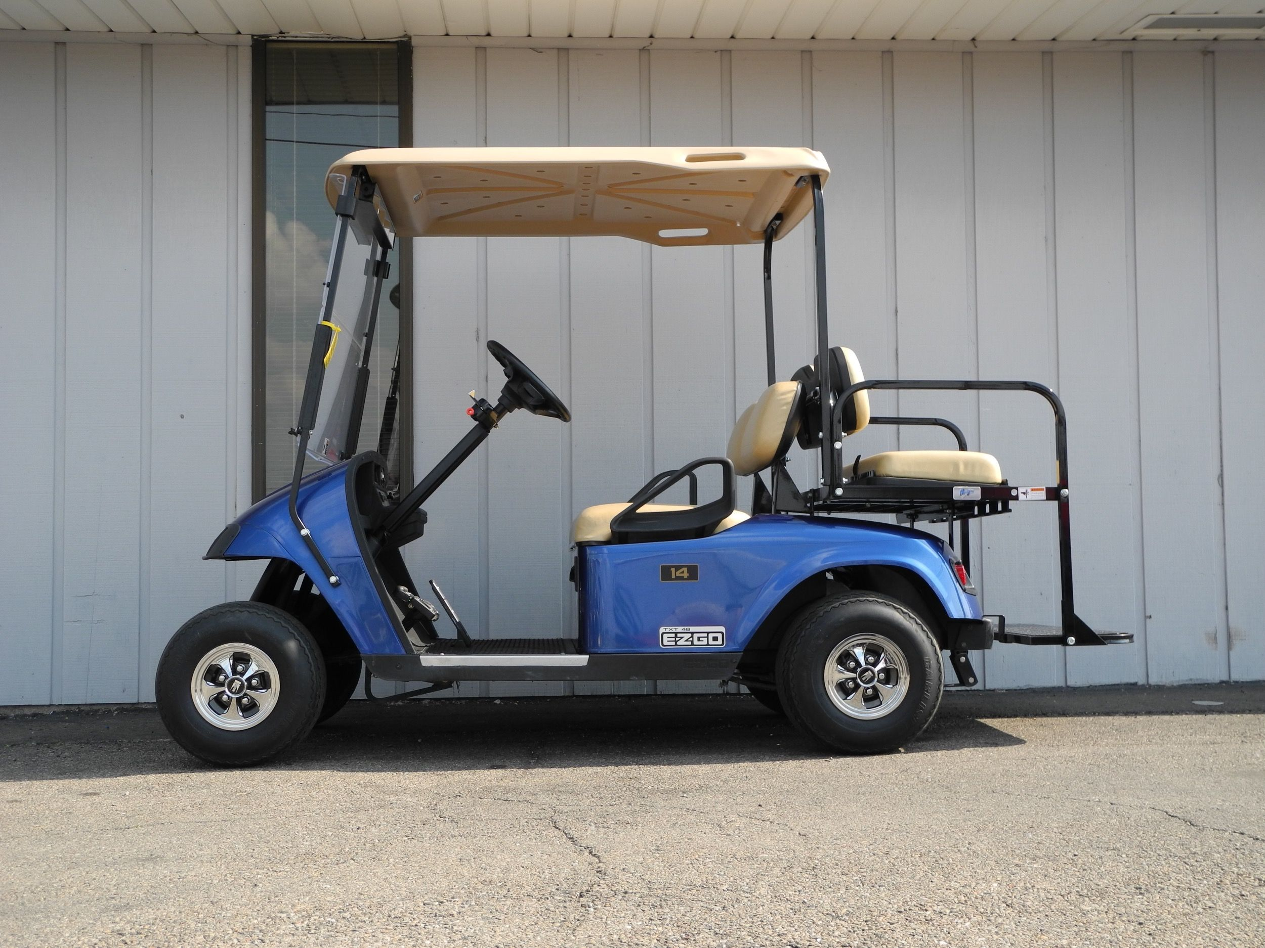 This 2012 E Z Go Pds Electric Golf Car Is Street Ready With Premium Lights Folding Windshield Rear View Mirror Stand Golf Cart Batteries Golf Carts Golf Car