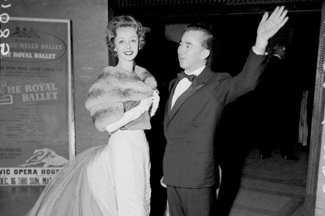 Filmmogul Harvey Weinstein hat angekündigt, das Couture-Label Charles James mithilfe seiner Frau, Marchesa-Designerin Georgina Chapman, wiederbeleben zu wollen