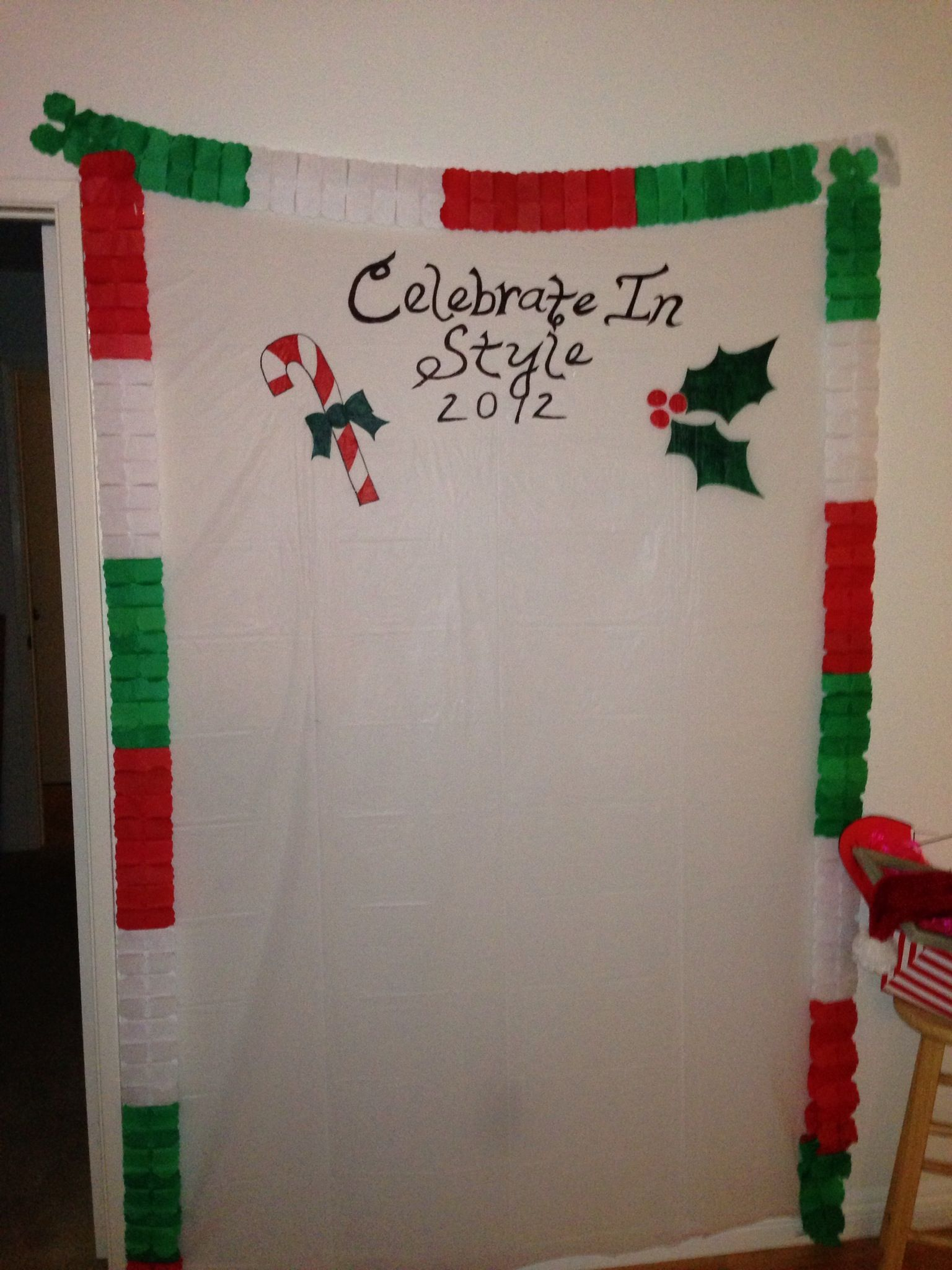 Diy christmas party table decorations - Xmas Ugly Sweater Party Backdrop For Diy Photo Shoot Needing Ideas For A Fun Ugly Christmas