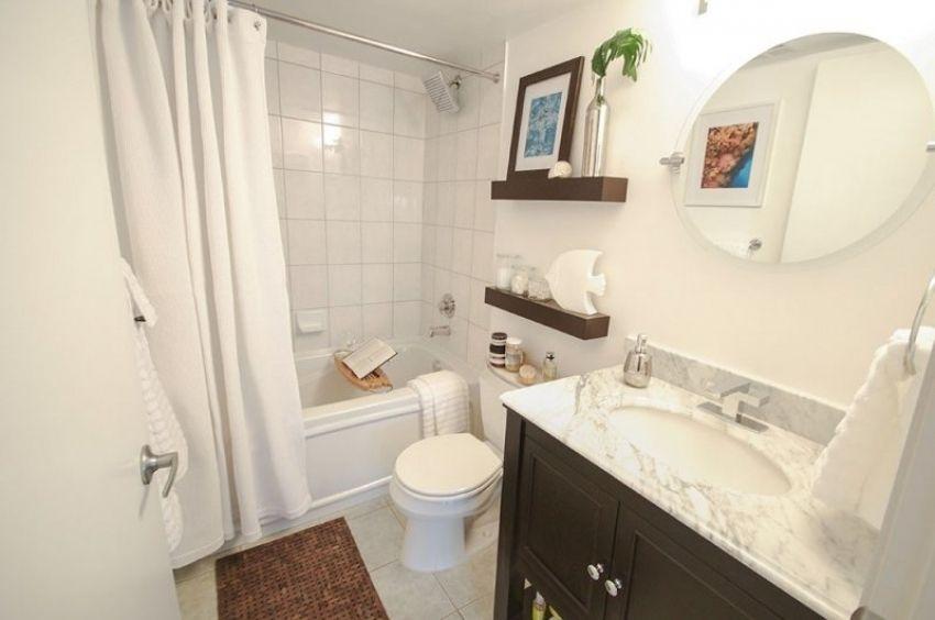 Drehbare Wand Spiegel Mehr Auf Unserer Website Alcove Bathtub Bathtub Bathroom
