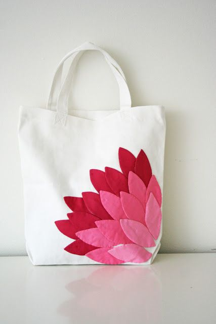 V and Co.: V and Co: how to: hand appliqued petal bag #bags