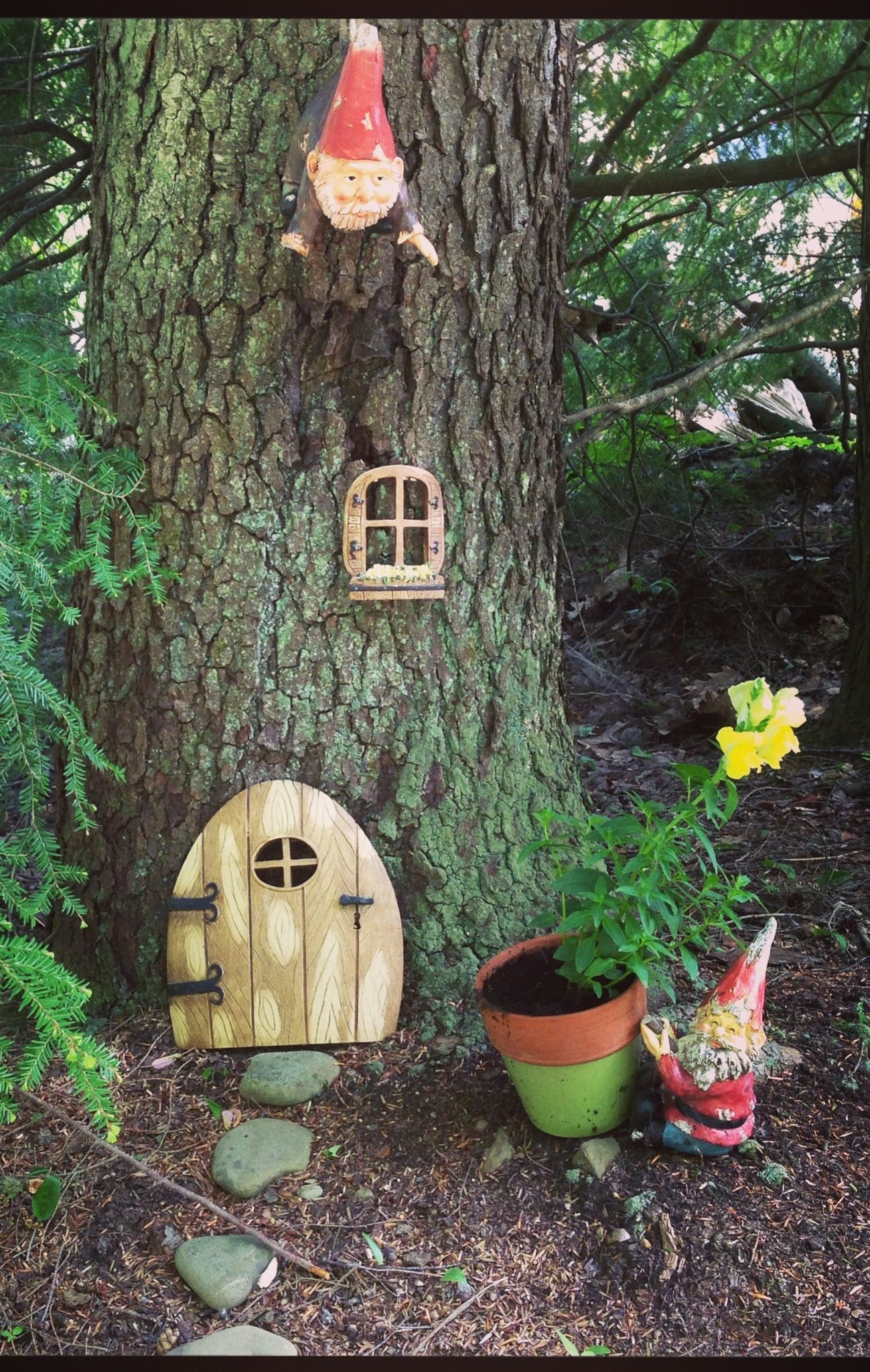 Gnome Garden Ideas tree stump gnome garden Gnome Garden