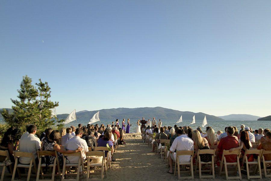 A Handmade Tropical Paradise (in Idaho!) | Etsy Weddings BlogEtsy Weddings Blog