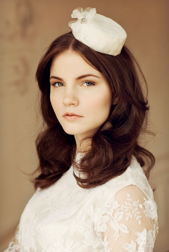Shop - Maggie Mowbray Milliner- makeup - brown - old roze