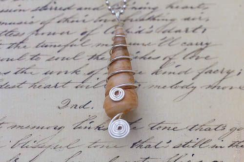 Shell, wire work, pendant, spiral, http://de.dawanda.com/shop/Miaba