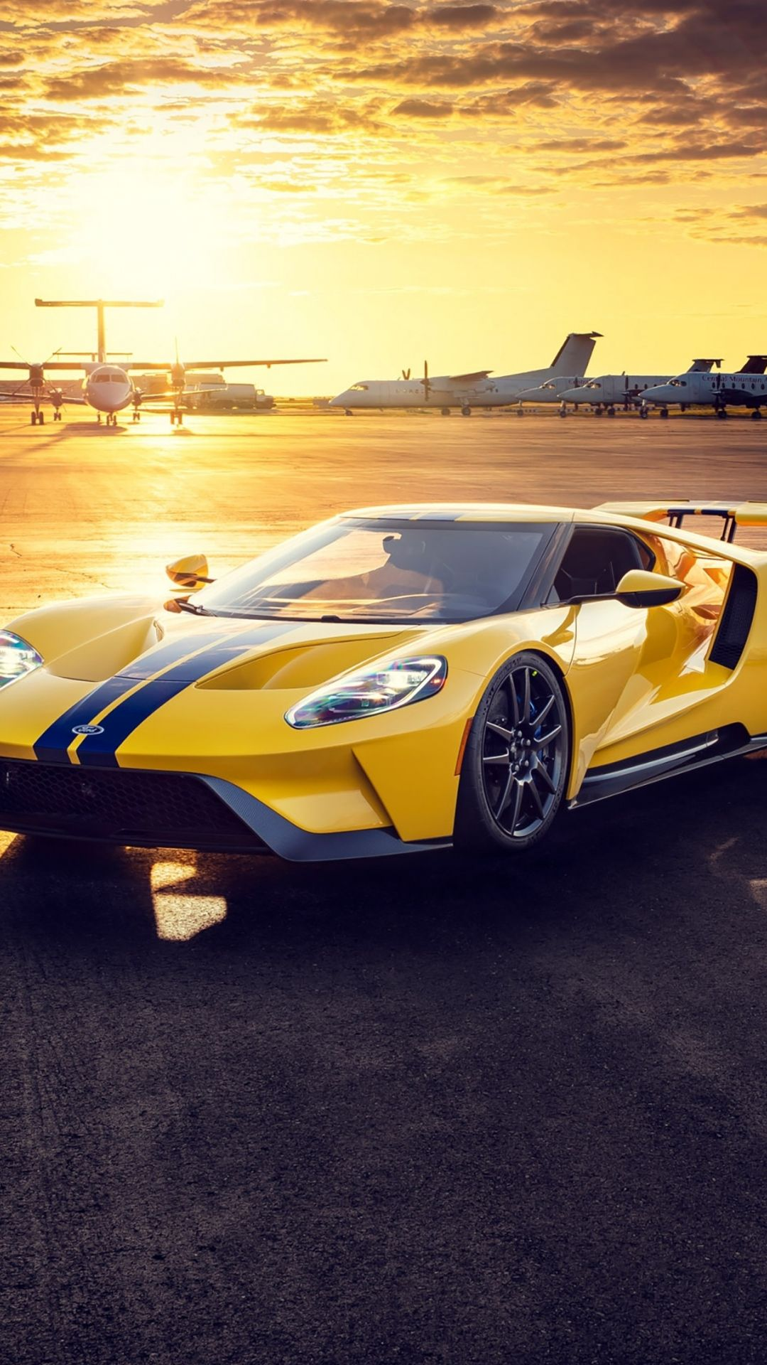 It's fun—and very harry potteresque—to have a bit of motion on your lock screen. 1080x1920 Car Sportcar Yellow Ford Gt Wallpaper Ford Gt Car Harley Bikes