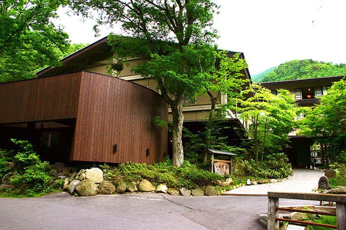 扉温泉・明神館  Tobira Onsen Myojinkan. Hotel and restaurant in a park. Japan,Matsumoto-shi  Outside the facility  number  1