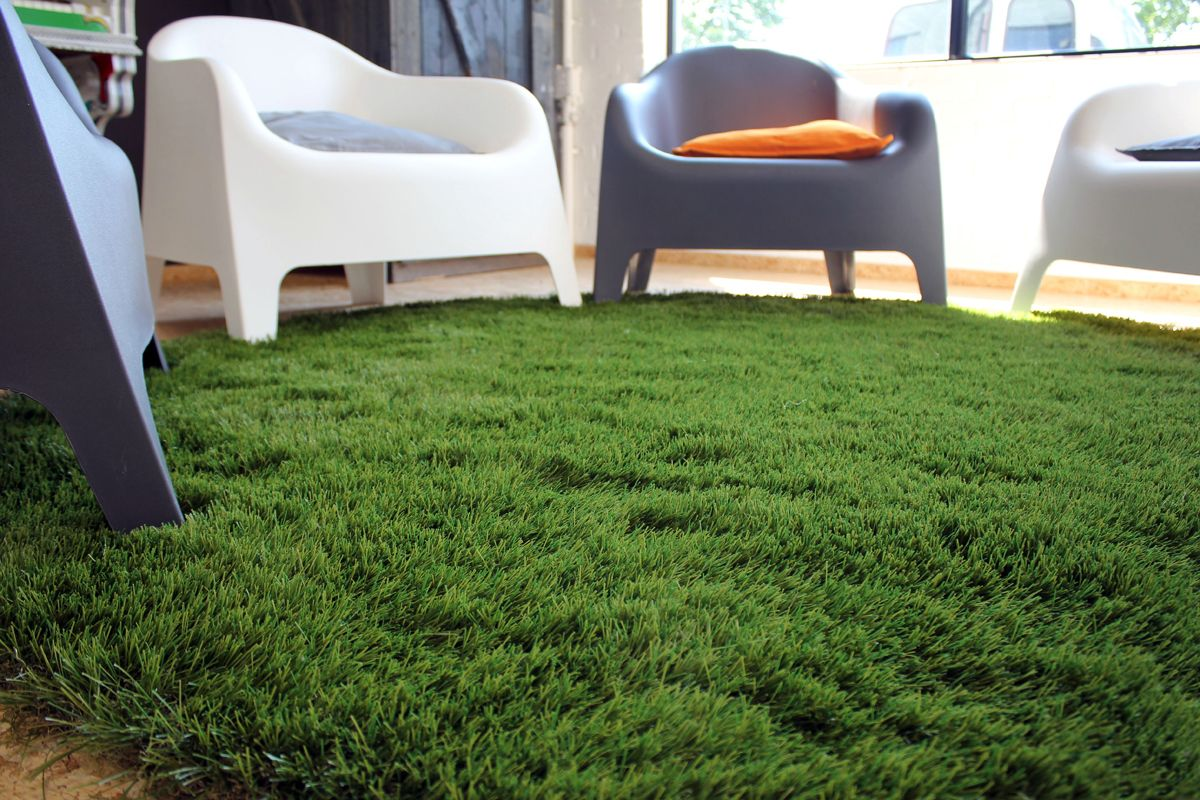 Royal grass artificial grass feels nice and soft and adds a touch of green to your