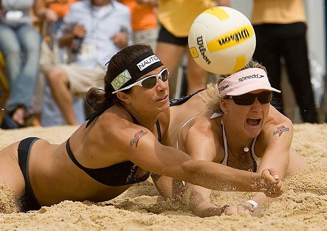 Misty May Trainor And Kerri Walsh Jennings Olympic Volleyball Team With Images Olympic Volleyball