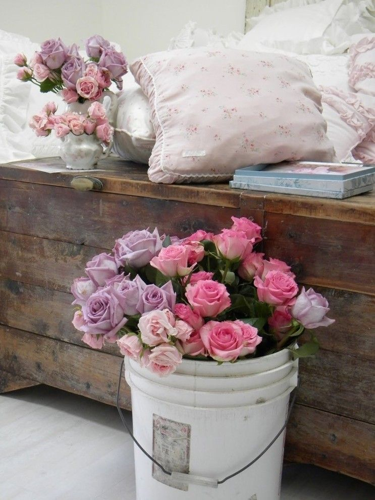 Country Style Chic: Shabby Chic Style in Spring Pastels