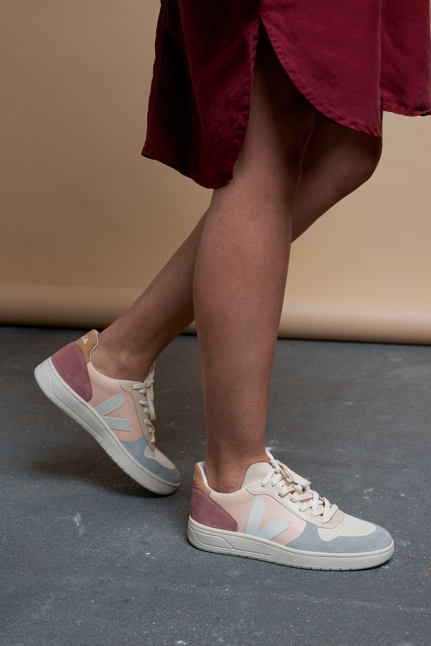 9c956628ca2260 v-10 sneaker multico nude by Veja | Dressed | Sneakers, Veja ...