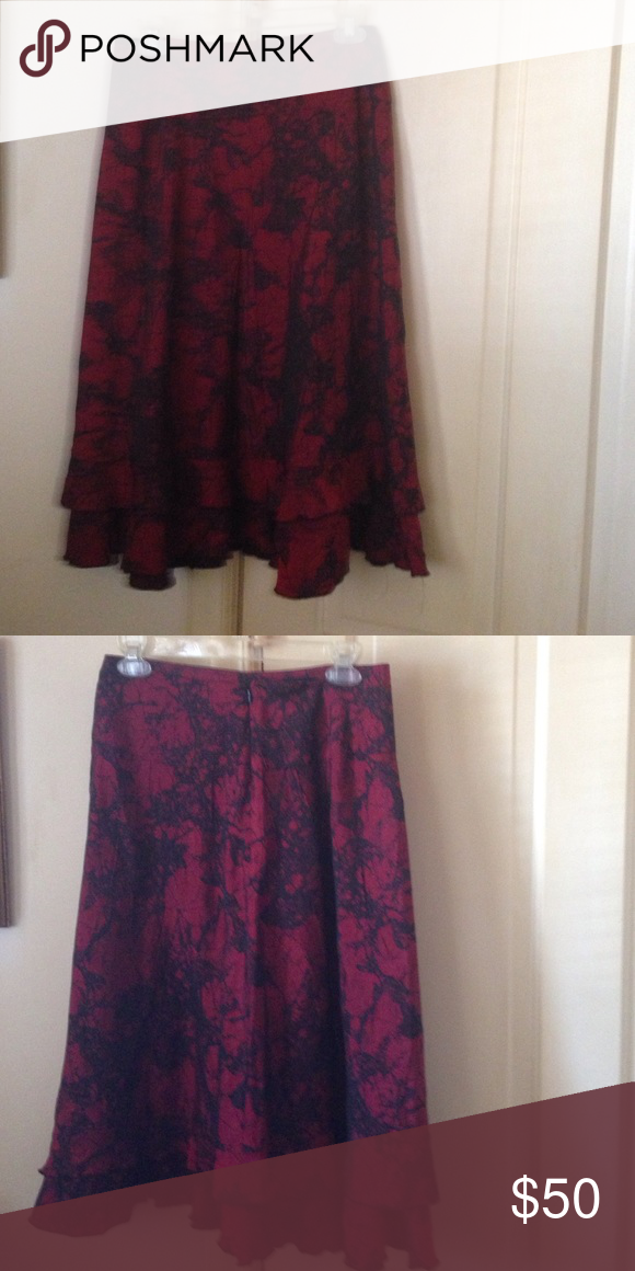 Red and Black  Midi Skirt Gorgeous like new red and black midi skirt. Lined on inside. Great year round piece! Zipper in back. Open to offers. Skirts Midi