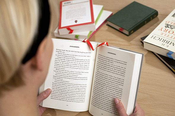 A new kind of analogue bookmark (each time you turn a page, it inserts itself at the right place)