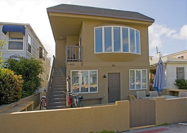 Vacation Rentals In Mission Beach Mission Beach Vacation Rentals Beach Vacation Rentals House Rental Vacation Home