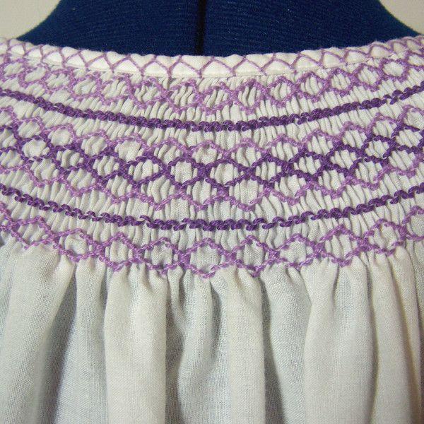 Vintage Folklore Bluse, Stickerei, weiß lila