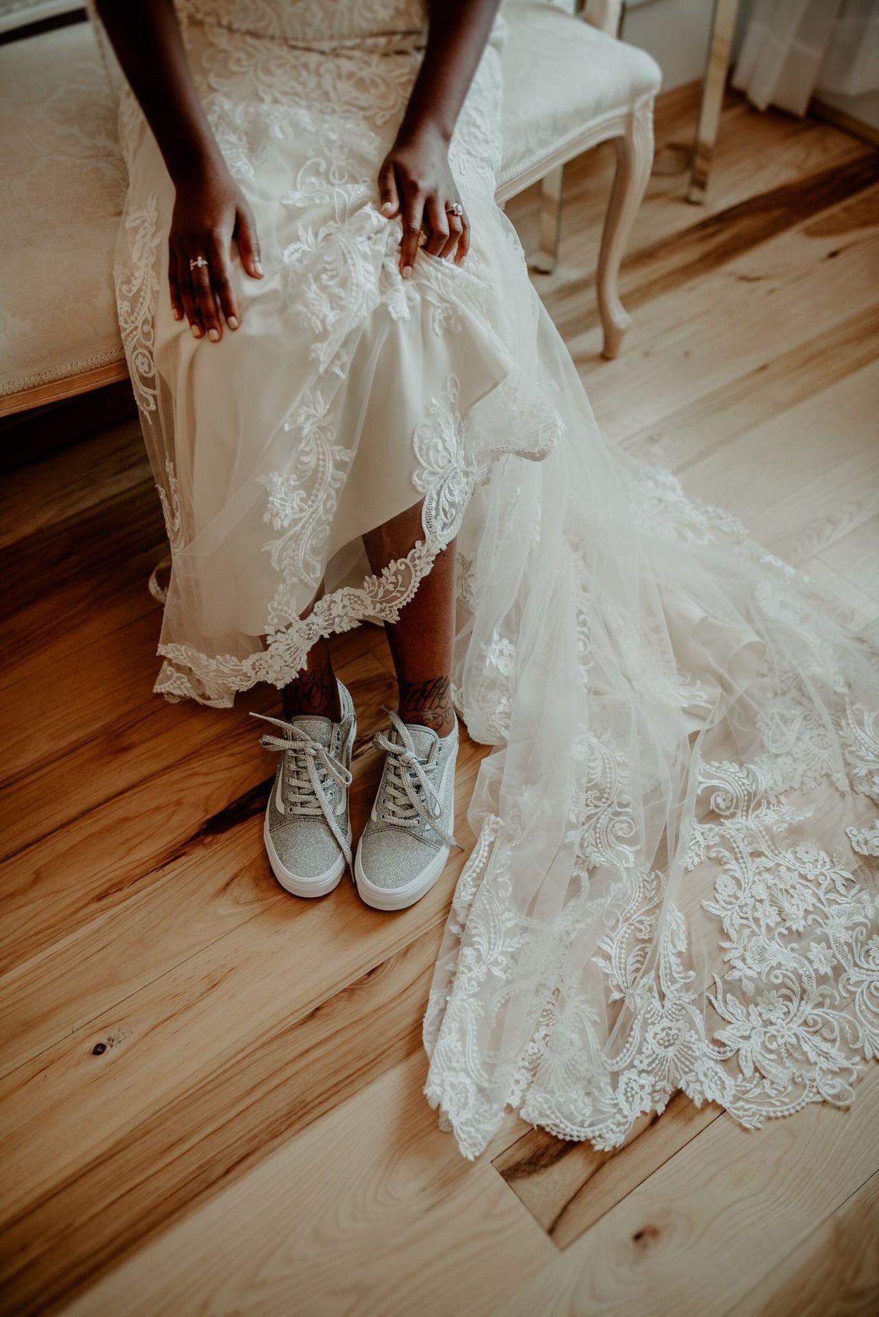 A Little Sparkle For Adia S Big Day Photography Liz Rachel Las Vegas Wedding Inspiration Wedding Dresses Wedding Dresses Lace [ 1919 x 1280 Pixel ]