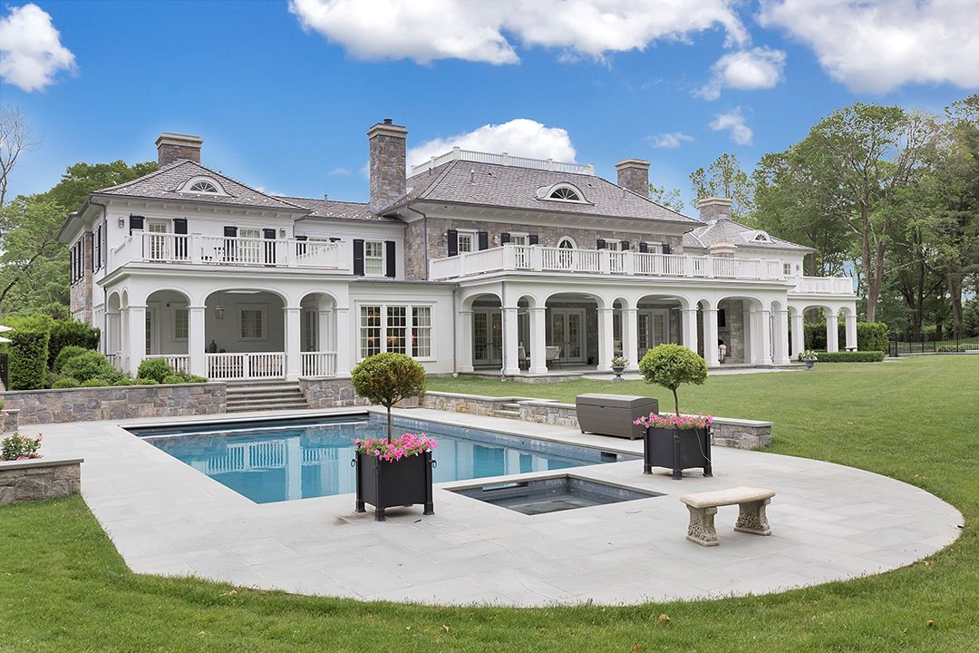 Tour A 20m Greenwich Mansion That Combines Luxury With Livability Mansions Greenwich House Design