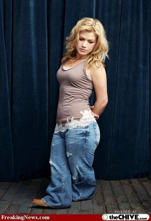 Difficult tell. kelly clarkson midget are