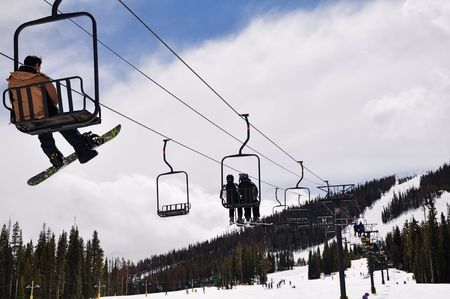 ExecuCar Now Offering Mountain Charters to Ski Resorts in Colorado  Image: Denver ski resorts