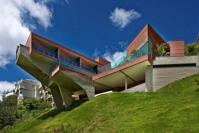 Amazing home in Brazil: Vila Castela - http://architectism.com/amazing-home-in-brazil-vila-castela/