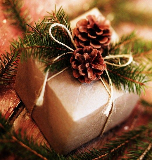 DIY gift wrapping Wrapping ideas, Green christmas and Gift