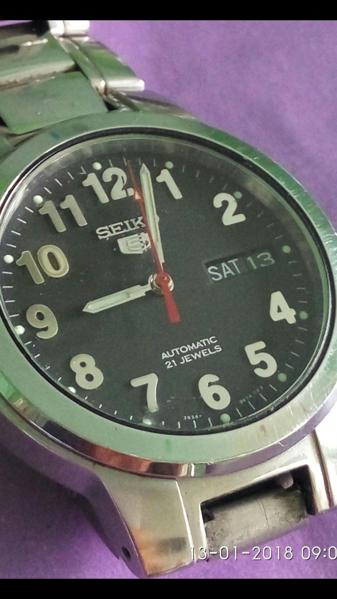 Pin oleh Gasela Ghozali di jam tangan Jam tangan
