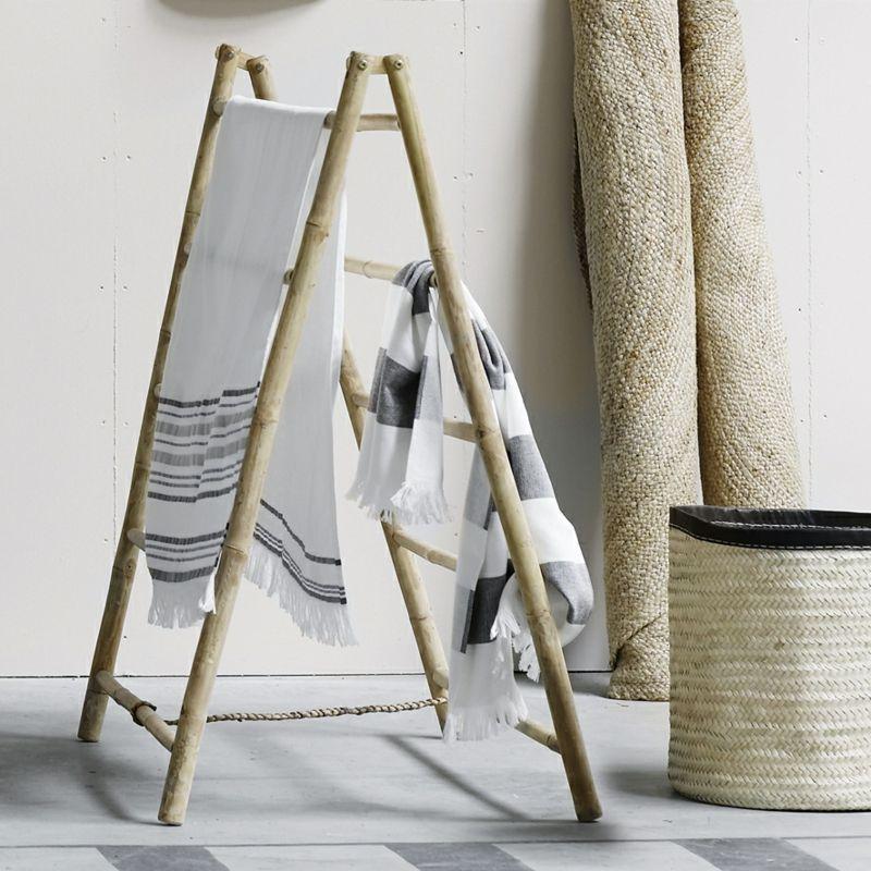 Handtuchhalter Holz Bambusstock Idee Waeschestaender Fliesen