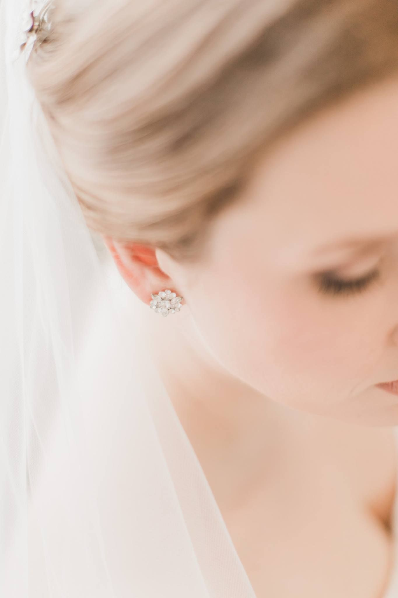 Merrimon Wynne Photographer Raleigh Jinny Bridal Session #bridalportraitposes
