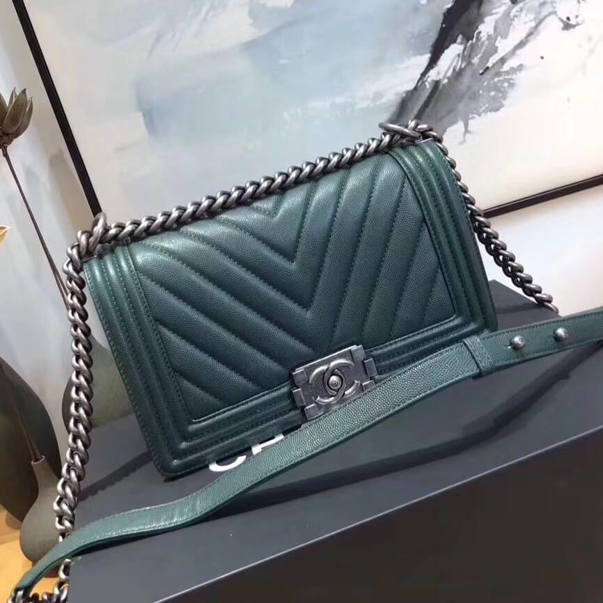 8e8ef43cc942 Chanel Chevron Grained Calfskin Medium Boy Flap Bag Green 2017 ...