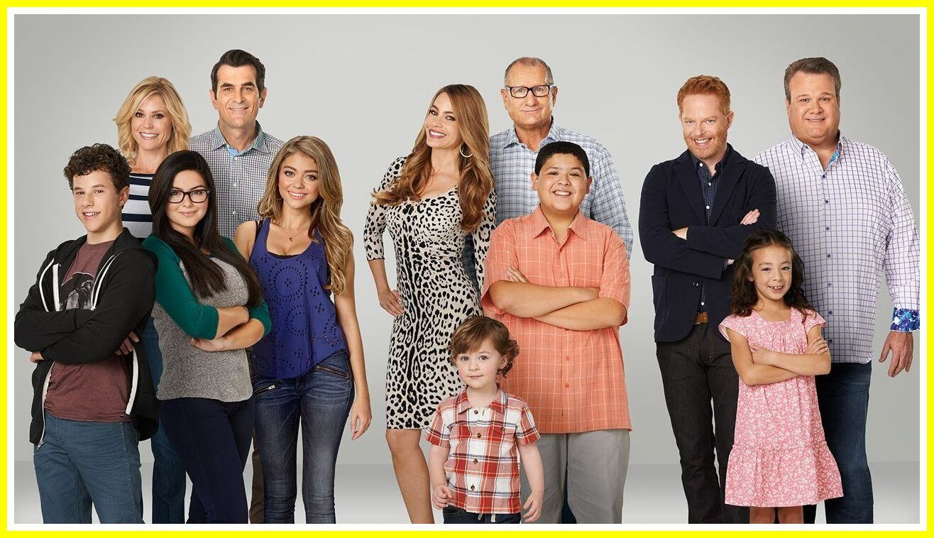 73 Reference Of Kids Little Modern Family In 2020 Modern Family Cast Modern Family Modern Family Quotes