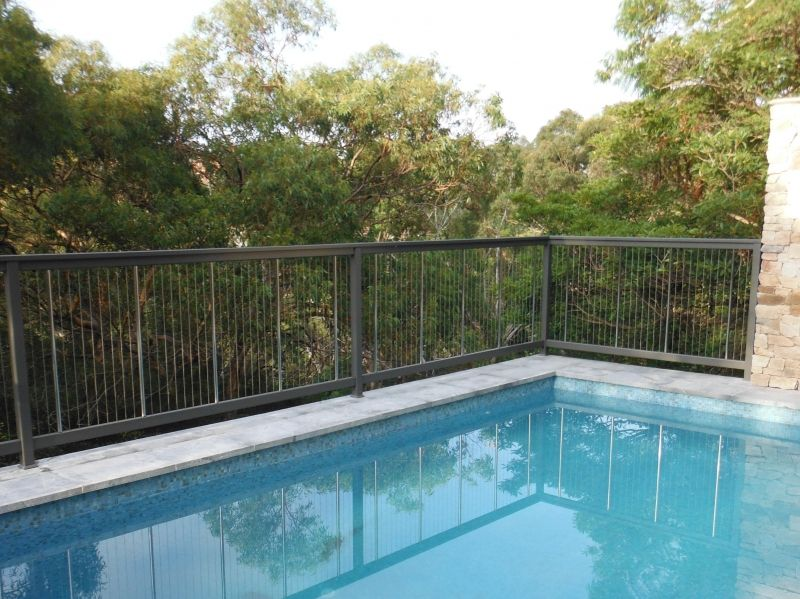 Vertical Cable, Aluminum Pool Fencing | poolside lighting and ...
