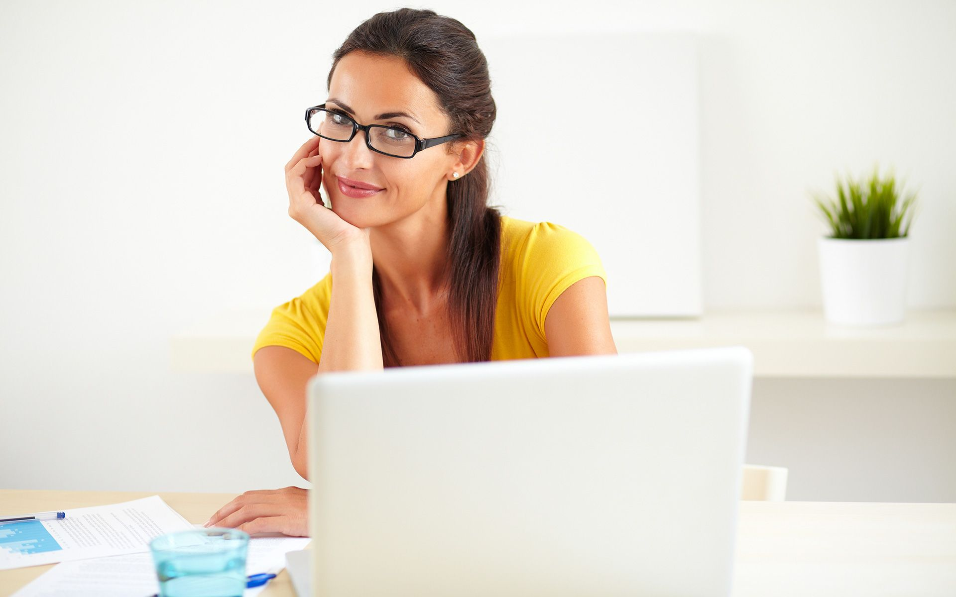 To apply fast payday loans without any hassle you just