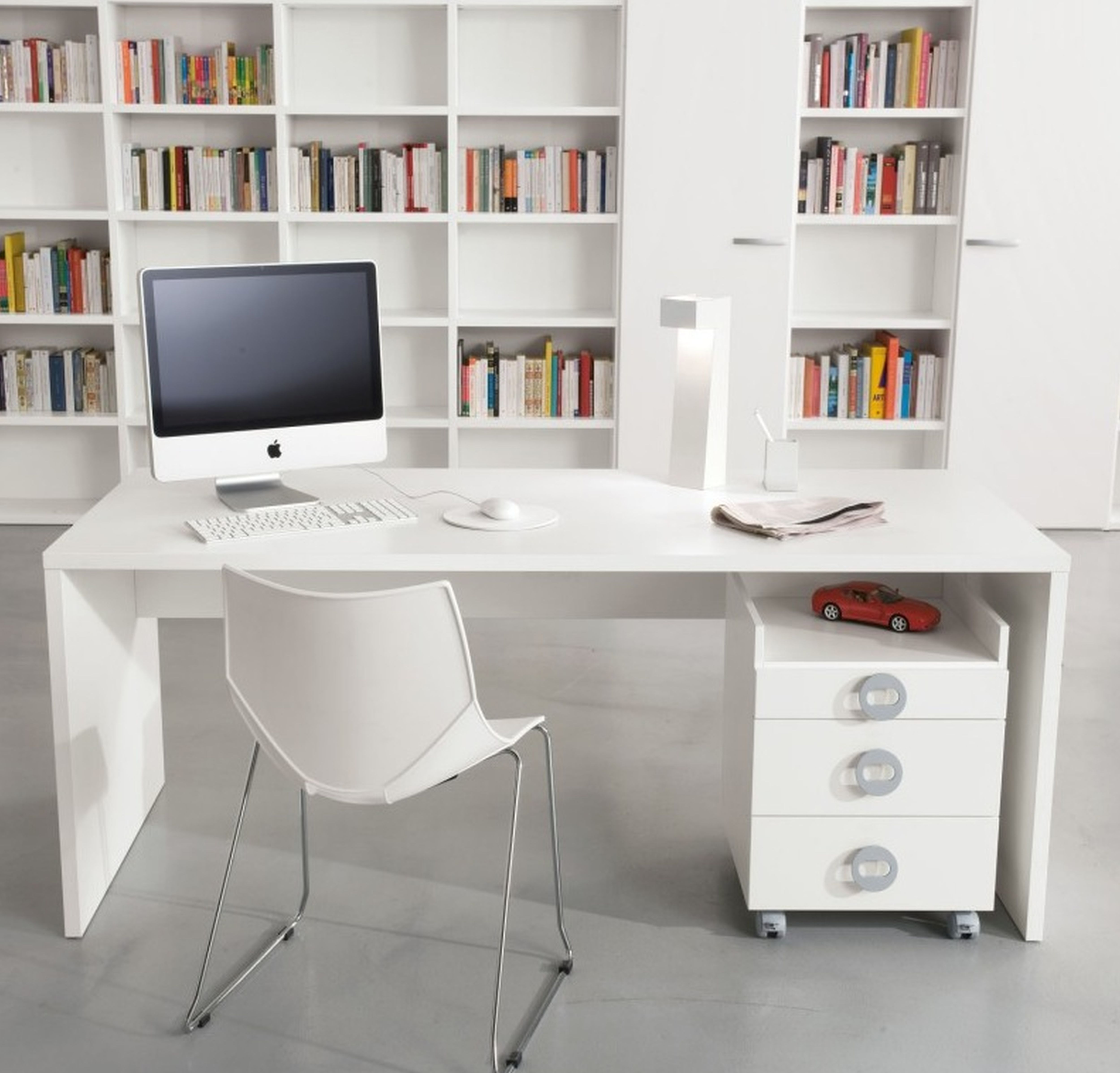Simple But Mesmerizing Small Home Office Interior Design In White Theme  With Minimalist White Computer Desk. Simple But Mesmerizing Small Home Office Interior Design In White