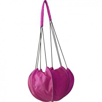 """Die super-originelle Umhängetasche """"AIR PINK"""" aus wiederverwerteter Fallschirmseide ist dein stylisher Begleiter für den täglichen Höhenflug. Vom Label Bag to Life."""
