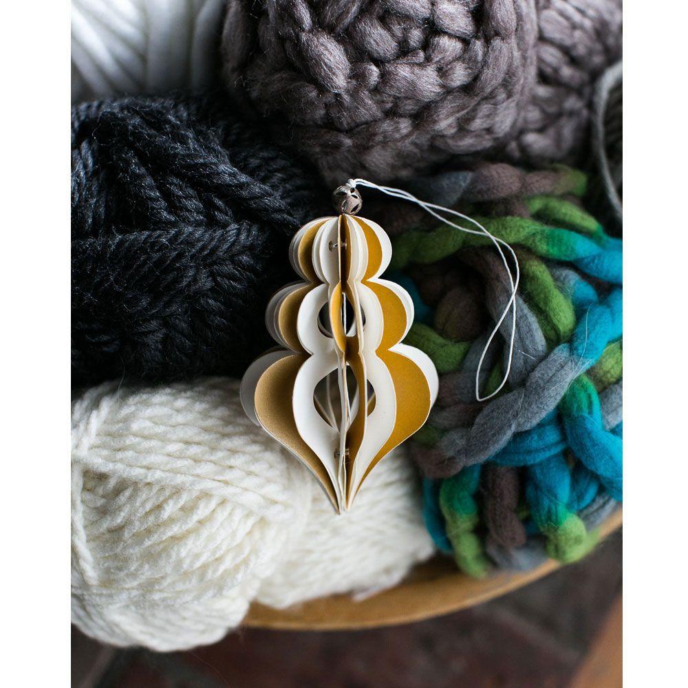 Photo of NAHAUFNAHME Gold und Weiß Zelda Origami Ornament