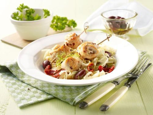 Knusprige Chili-Putenbrust auf Fenchel-Oliven-Salat