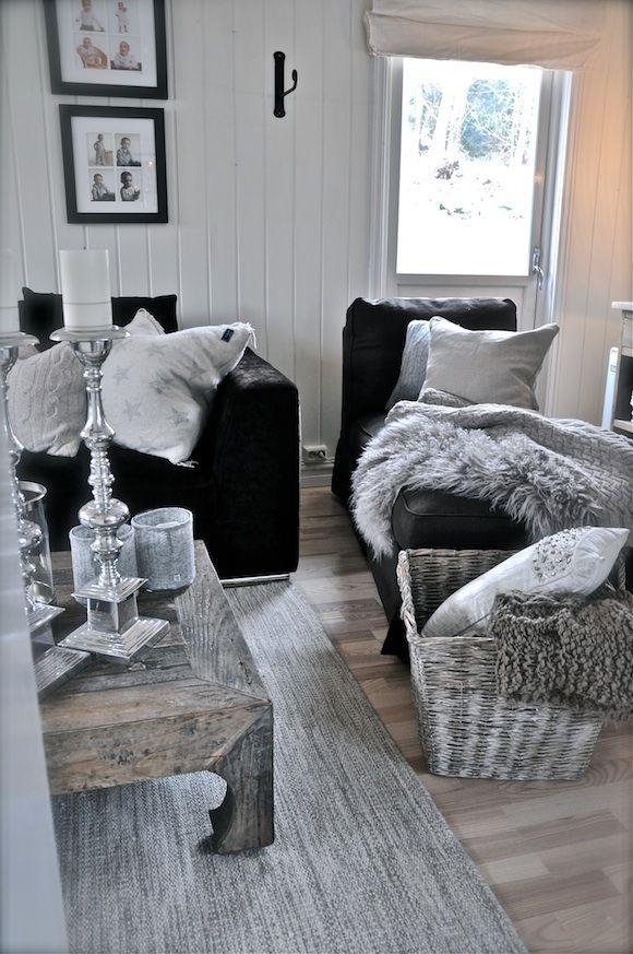 Black Couch Living Room Decor Ideas: Interiør Blogg – Villa Paprika Black Chaise