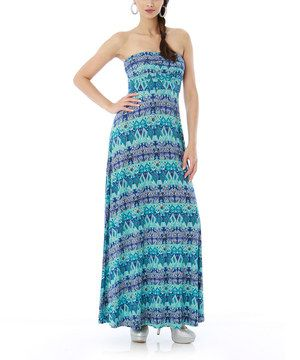 Make the most of warm-weather days in this color-drenched maxi dress. Fluid and carefree, it unites comfort and style in one easy-chic piece.
