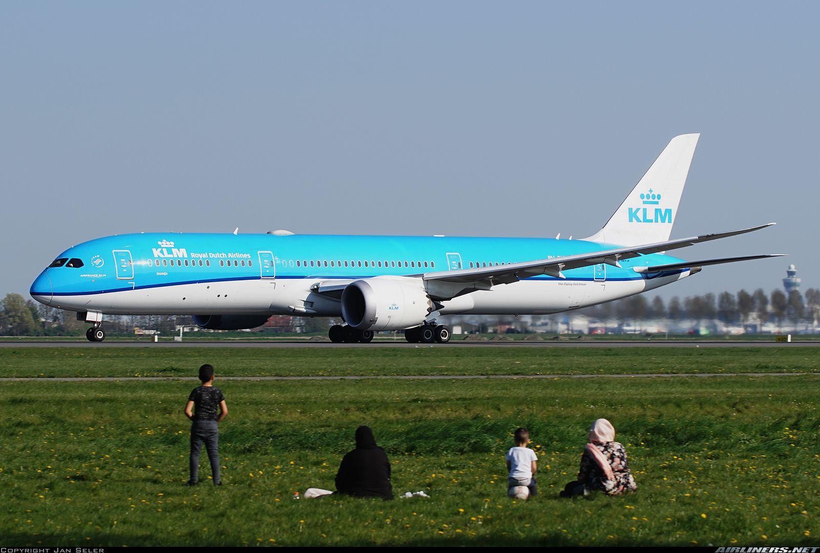 Photo Taken At Amsterdam Schiphol Ams Eham In Netherlands On April 19 2019 Klm Royal Dutch Airlines Boeing 787 9 Dreamliner Boeing Aircraft