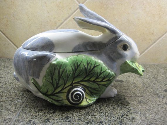 MOTTAHEDEH Lg Rabbit Tureen Early 1980's Made in by frenchBdesigns,