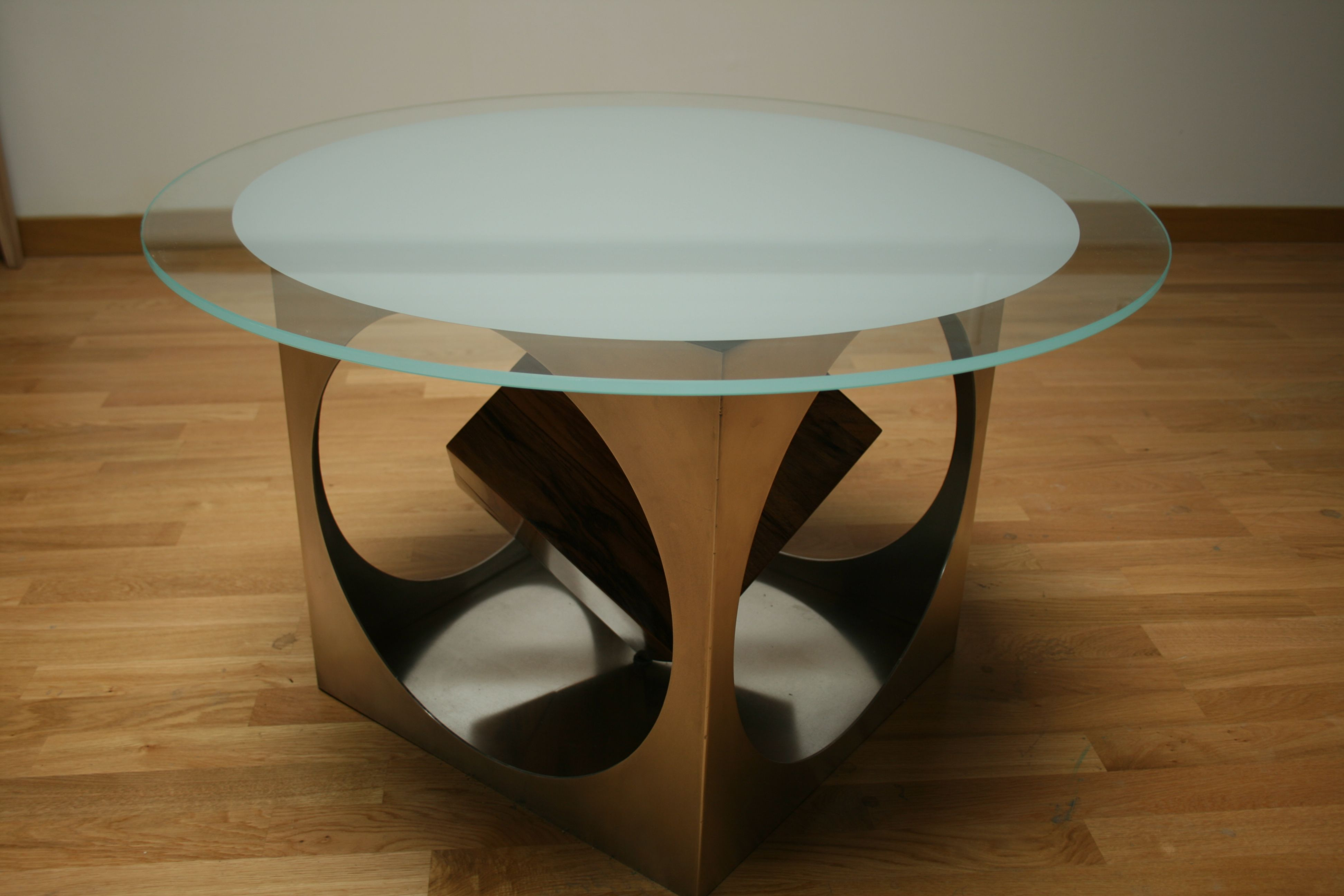 40569f312a646fb46a586a4d6f805e1b Unique De Table Basse Noyer Design Concept