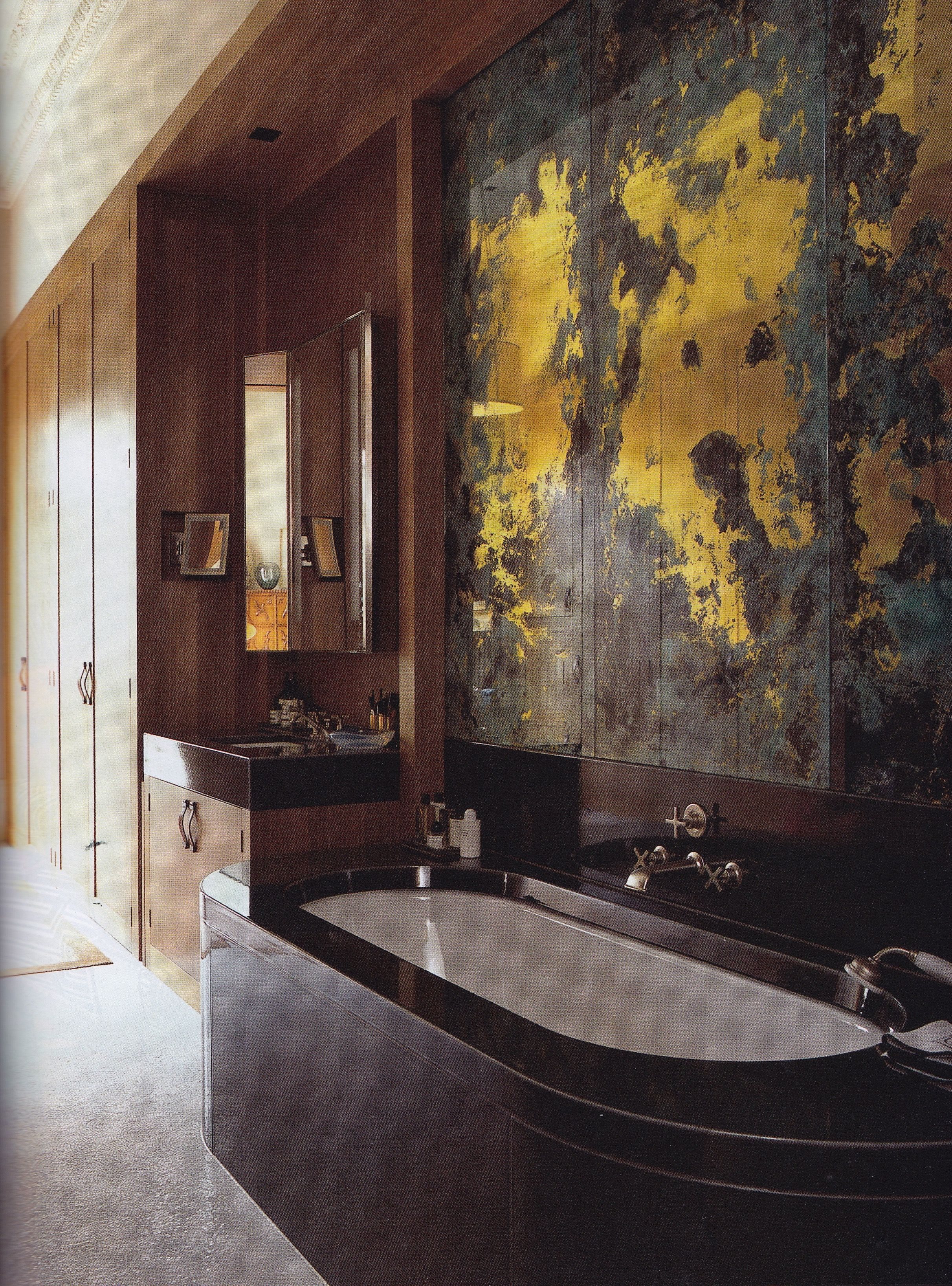 london flat designed by jonathan reed the world of interiors march 2015 photography - Glass Sheet Bathroom 2015