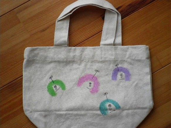 お弁当が入るぐらいの袋です女の子が描いてあります|ハンドメイド、手作り、手仕事品の通販・販売・購入ならCreema。