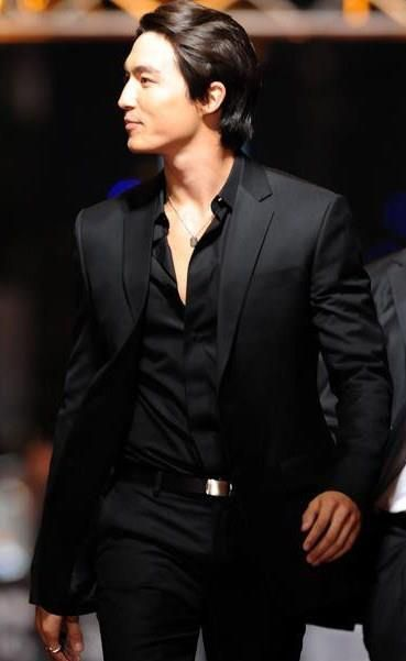 men fashion,black suit,man in black suit,men wearing suit,black  ...