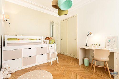 Renovierung und Dekoration eines Kinderzimmers für einen