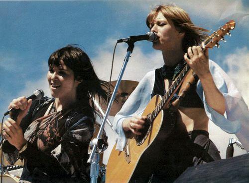 Heart - Ann & Nancy Wilson - live 70s