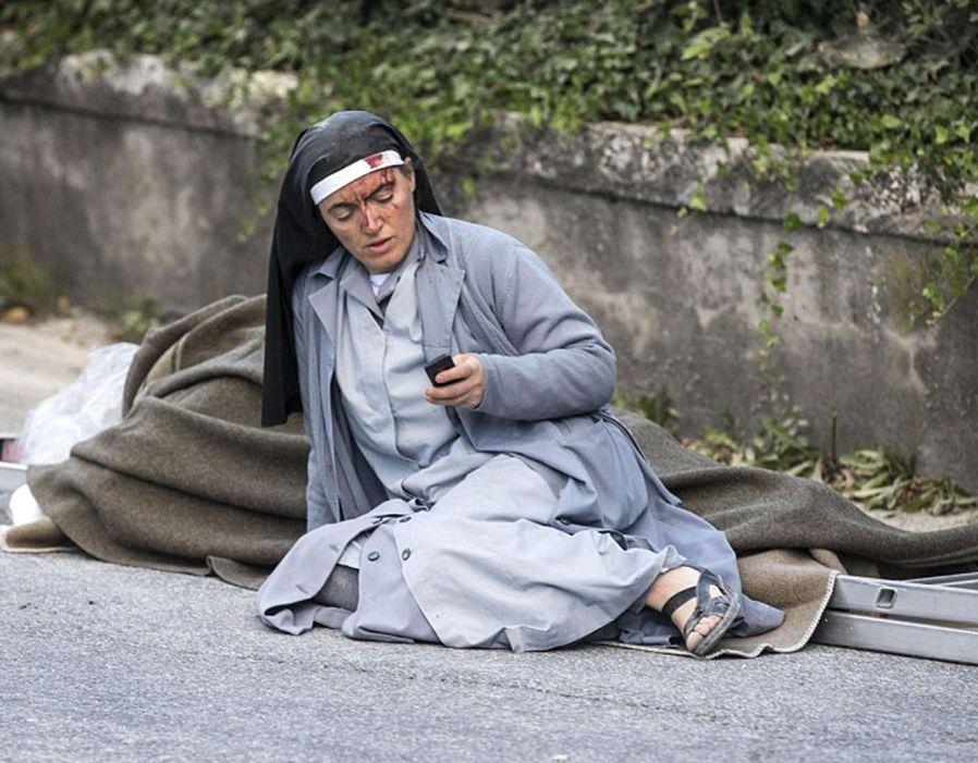 Horror In Italy 6 2 Earthquake Kills 268 Dramatic Photos