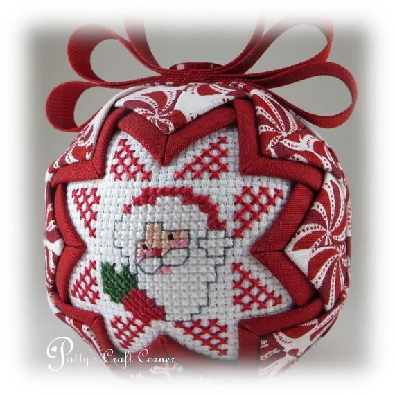 Quilted Santa Ornament Santa Ornament Quilted Christmas Etsy Quilted Christmas Ornaments Quilted Ornaments Folded Fabric Ornaments