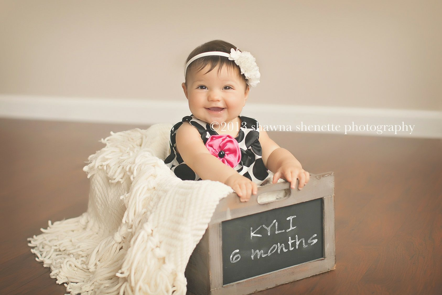 6 month old baby girl photo inspiration ideas massachusetts baby photographer